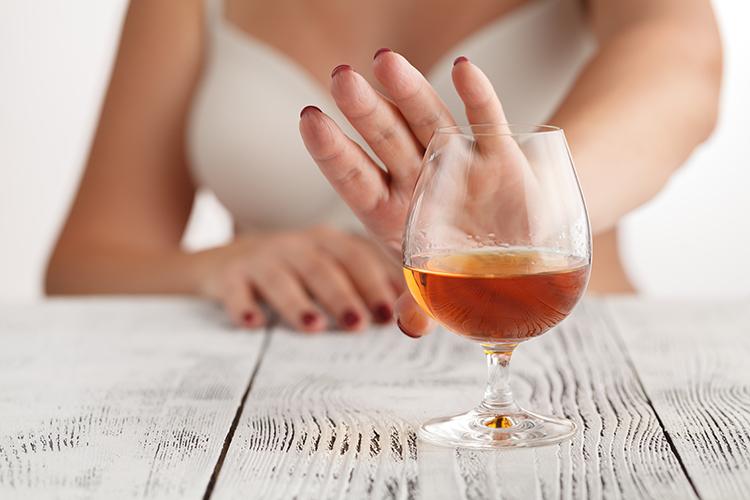 không uống rượu bia, chất kích thích có cồn